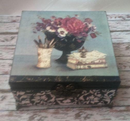 Romantyczna szkatułka na biżuterię
