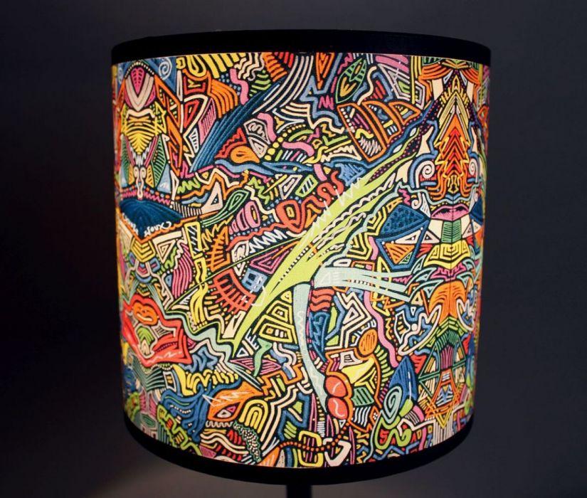 """Inspirująca lampa nocna z obrazu """"cZASNASZ"""" S - Trwały abażur z pięknym wzorem."""