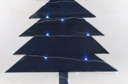 Prosta, niebieska, drewniana choinka LED