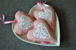 Różowe romantyczne serduszko