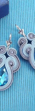 Małe Błękit &grafit kolczyki sutasz