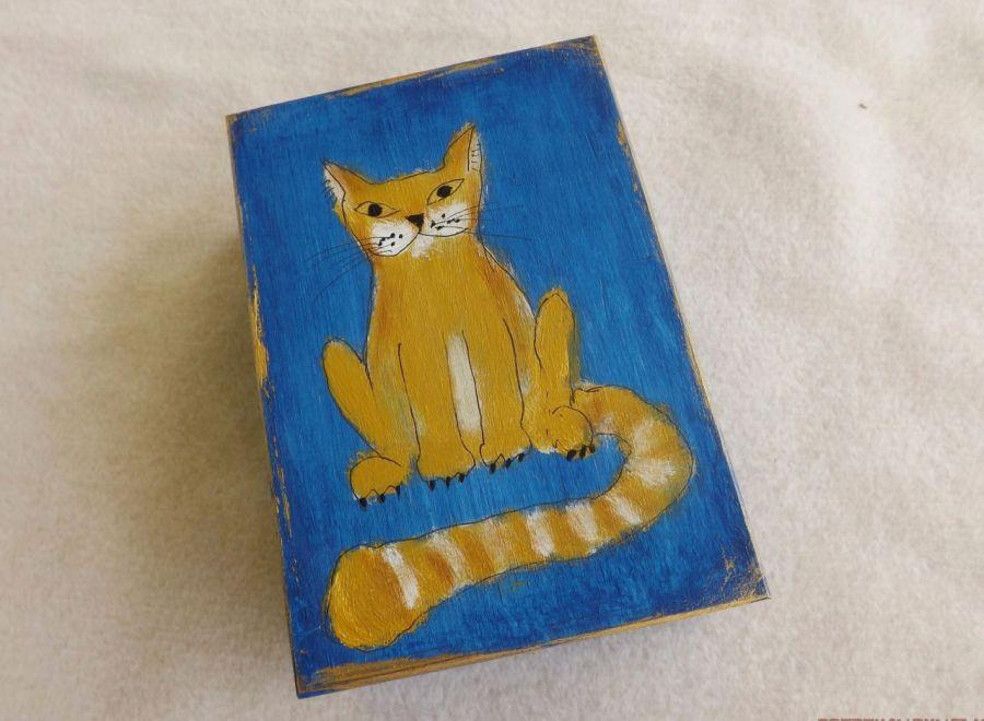 Pudełko malowane średnie - Kot w błękicie