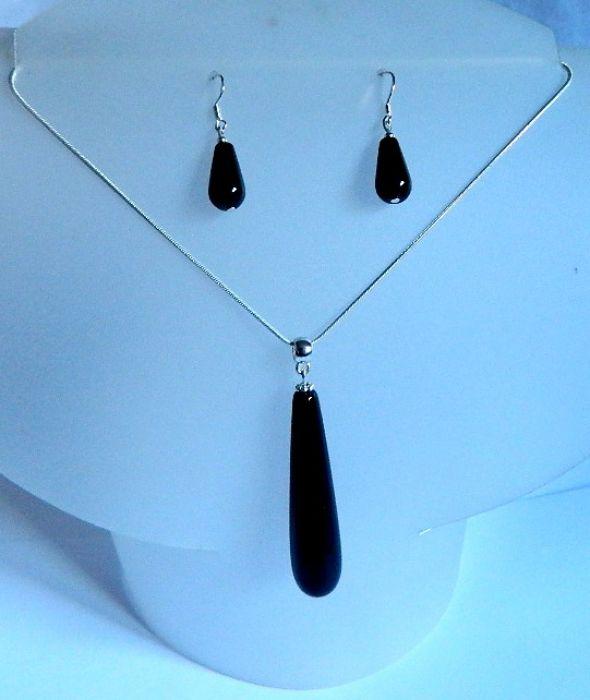 Czarny onyks i srebro, klasyka i elegancja
