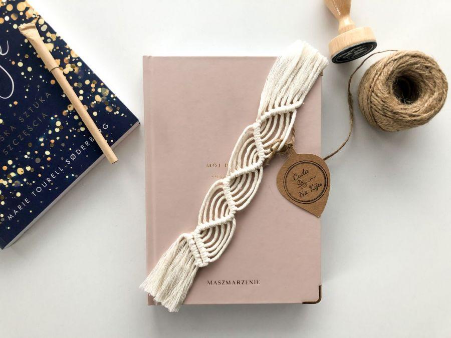 Zakładka do książki handmade z frędzlami - poziom