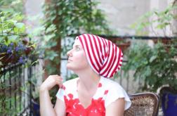 czapka wiosenna biało-czerwona w paski