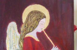 Anioł na desce malowany w odcieniach czerwieni