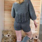 sweterek z frędzlami -