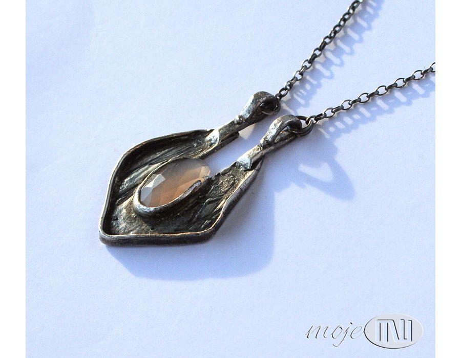 Wisior z Doliny Królowych - biżuteria autorska