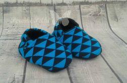 kapciuszki w czarno-turkusowe trójkąty