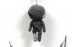 Szara laleczka voodoo breloczek szydełkowa maskotka