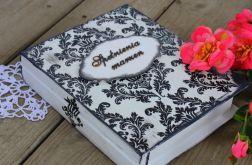 Eleganckie pudełko w kształcie książki