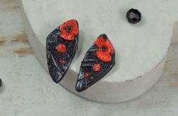 Asymetryczne kolczyki wkrętki czerwone maki