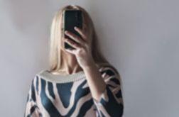 Sukienka zebra na karczku
