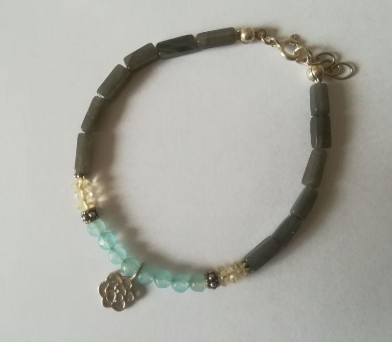 Bransoletka - morski błękit w szarościach - Jadeity