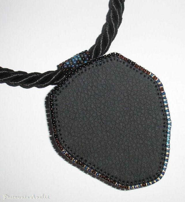 kosmiczny agat beaded embroidery