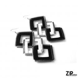 Designerskie długie czarno-białe kolczyki