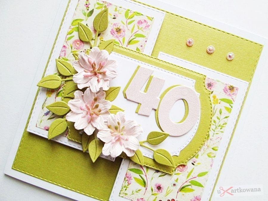 Kartka URODZINOWA z jasnoróżowymi kwiatami