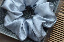 Gumka scrunchie frotka jedwabna SILVER BLUE