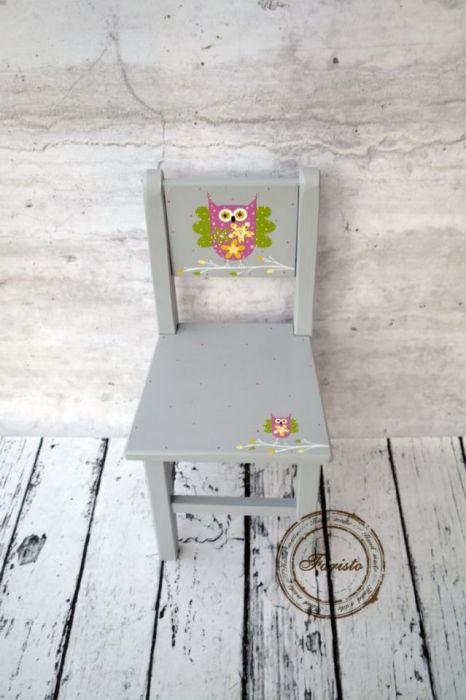 szare krzesełko z oparciem sowa