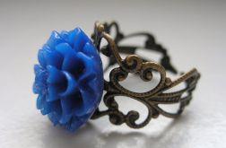 Filigranowy pierścionek - niebieski kwiat