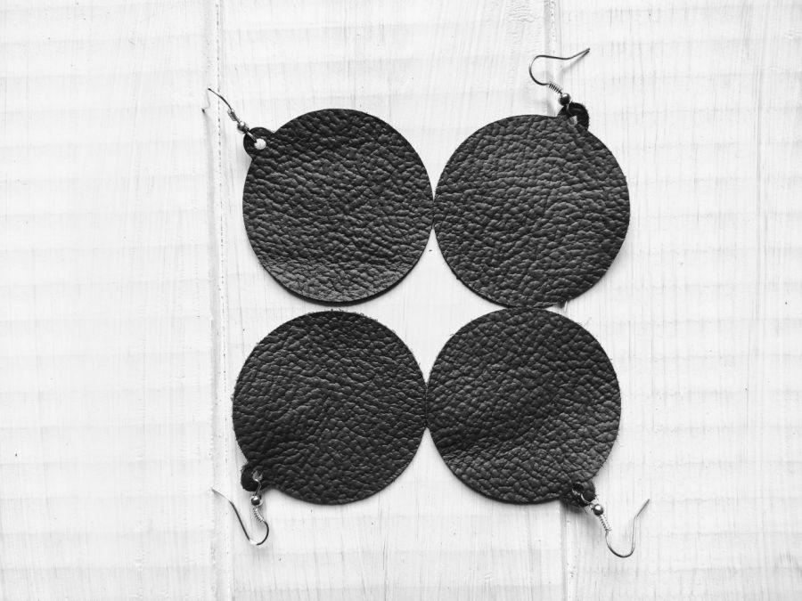 Kolczyki bombki czarne
