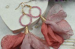 Długie kolczyki kwiaty w odcieniach różu