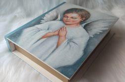 szkatułka-księga z aniołkiem dla chłopca