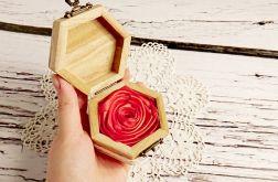 Pudełeczko na pierścionek róża