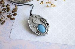 Wisior inspirowany naturą z niebieskim jadeit