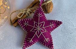 Dekoracja świąteczna z filcu z ozdobnym haftem - wzór 005