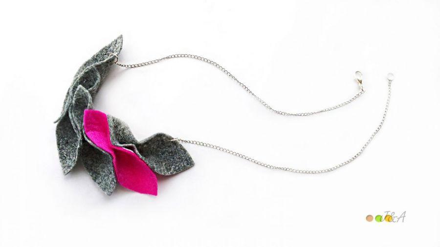 Elegancki naszyjnik z filcu różowy szary