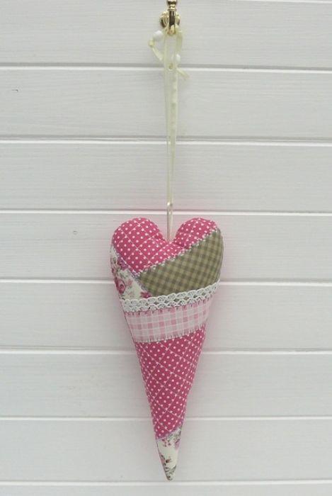 Różane – Serce w pochewce -