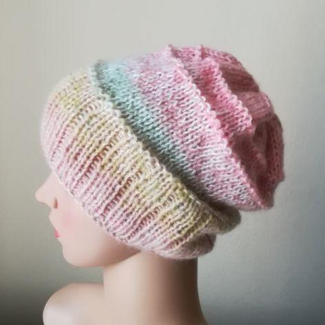 W pastelach czapka