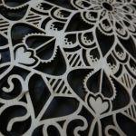 Drewniana mandala z krokusami - Mandala z krokusami