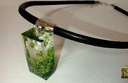 Szuwarek - zielony wisior z żywicy