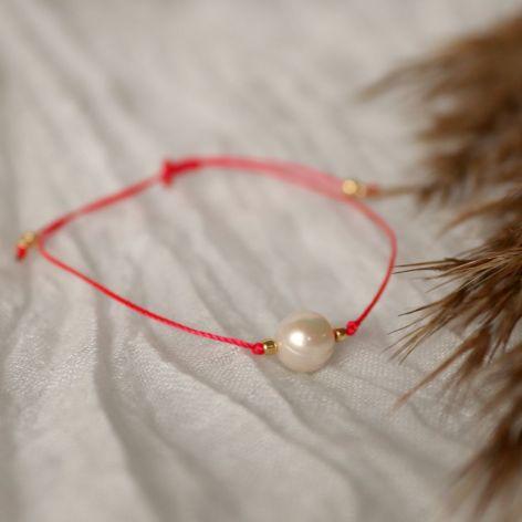 Relva czerwona bransoletka z perłą
