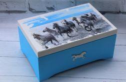 Skrzynia dla miłośników koni