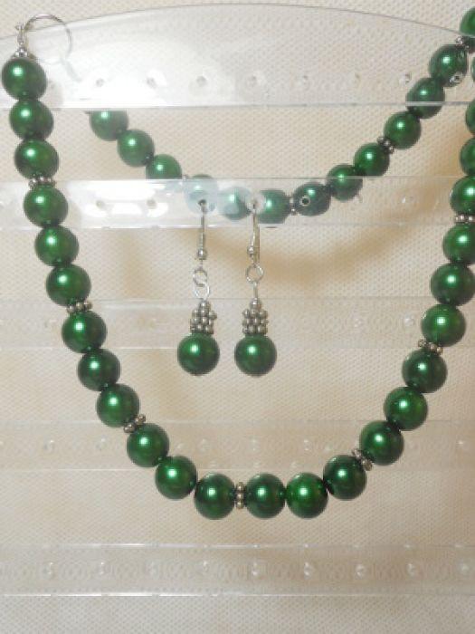17070. Naszyjnik w zieleni