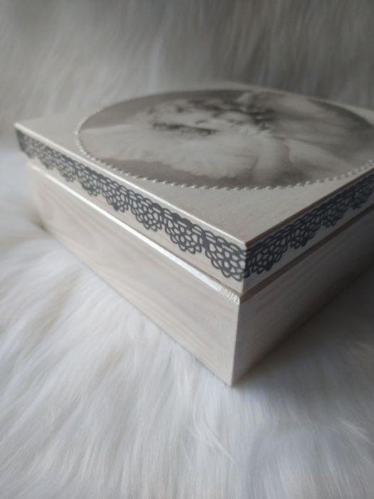 uniwersalna szkatułka z aniołkiem retro  - detale