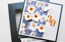 Kartka URODZINOWA białe kwiaty