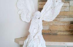 Anioł łagodności - siedząca figurka