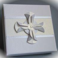 Pamiątka Chrztu Św. w pudełku z krzyżem