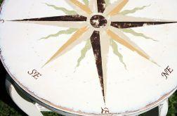 Kremowy stół vintage Róża Wiatrów
