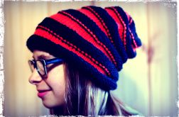 Czerwono-Czarna czapka na drutach
