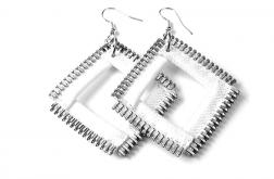 Designerskie kolczyki białe kwadraty