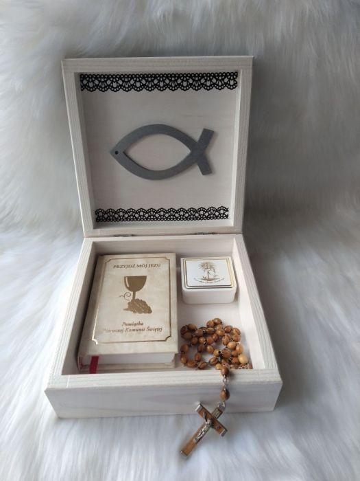 szkatułka-pamiątka I Komunii Św. - Matka Boża - w użyciu