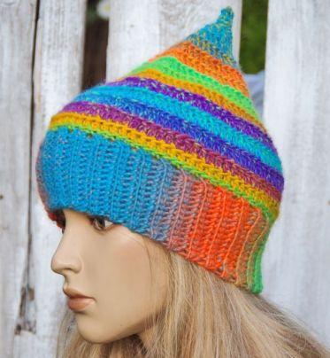 Szydełkowa czapka  - Tęczowa