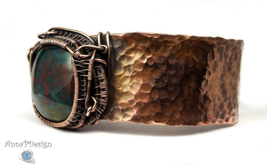 Szeroka bransoletka z kamieniem krwistym miedź - młotkowana miedź regulowana bransoletka