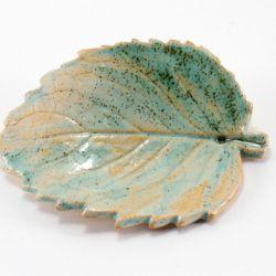 Broszka ceramiczna listek