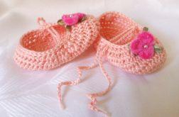 Szydełkowe buciki bawełniane dla dziewczynki